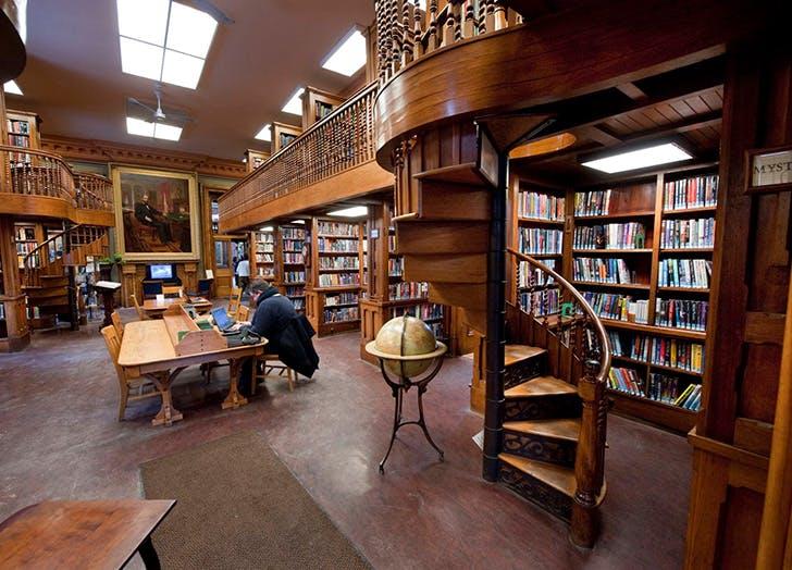 St. Johnsbury Athenaeum and Public Library