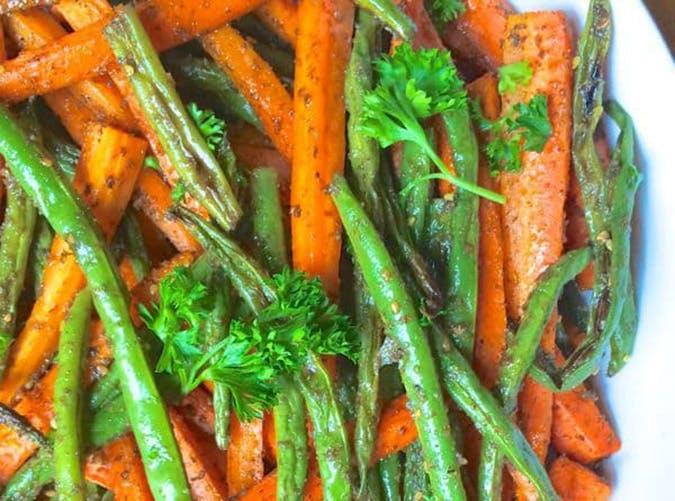 Zaatar Roasted Green Beans and Carrots