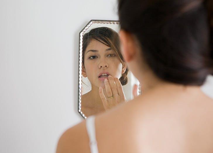 beauty uses for castor oil lips