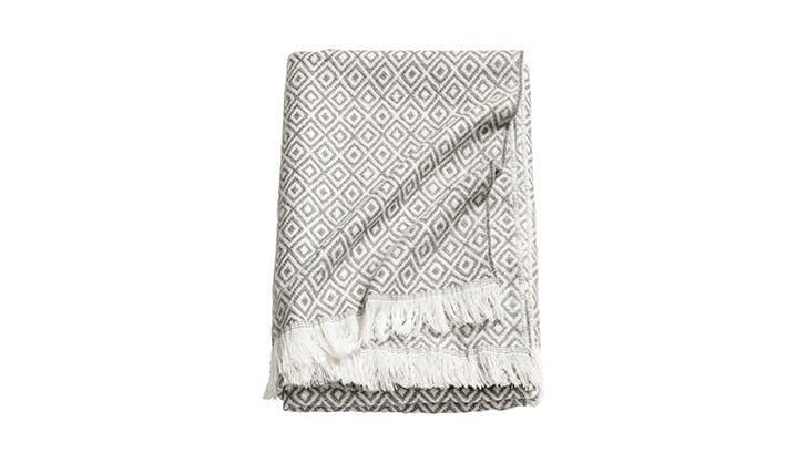 cozy blankets under 100 5