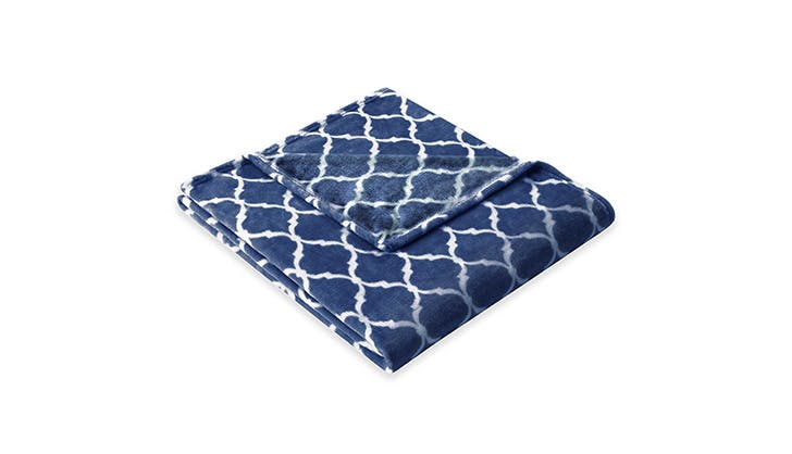 cozy blankets under 100 7