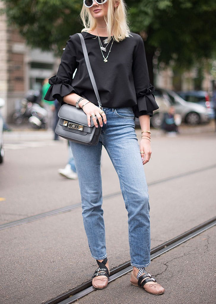how to wear jeans to work statement sleeve