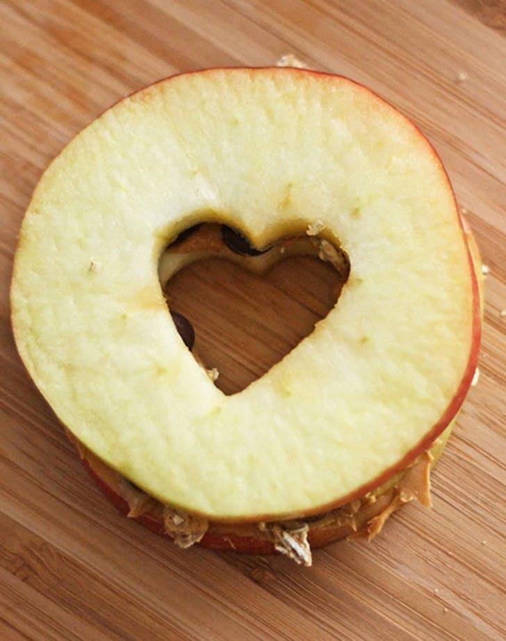 kid breakfast apple sandwich
