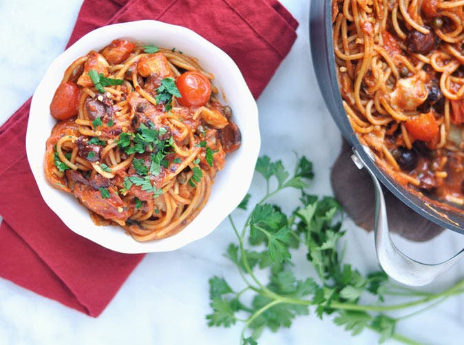 one pot pasta easy puttanesca sauce with garlic olives capers 501