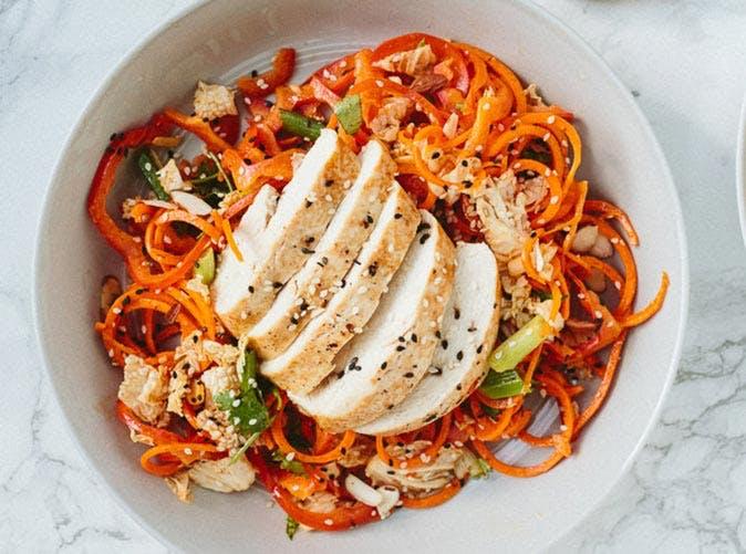 soy ginger chicken spiralized salad 501