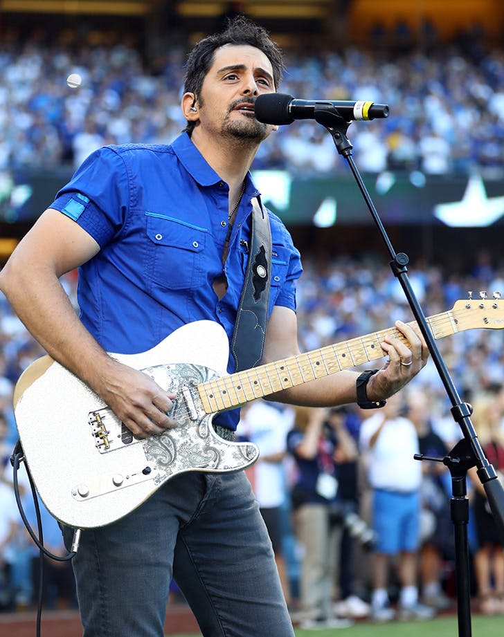 Brad Paisley game 2 World Series