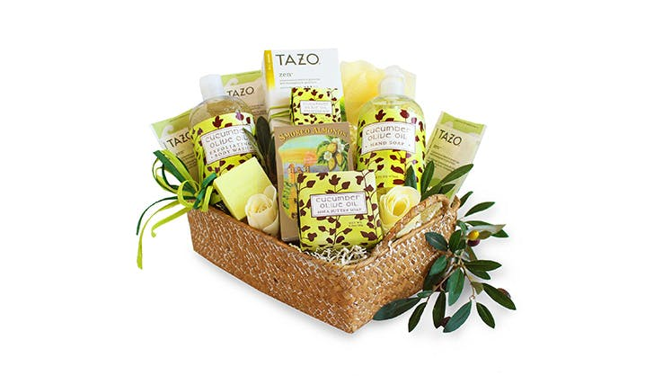 Gift ideas for bosses   spa gift basket