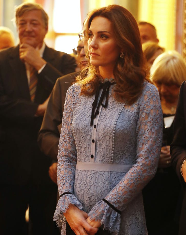 Kate Middleton baby bump1
