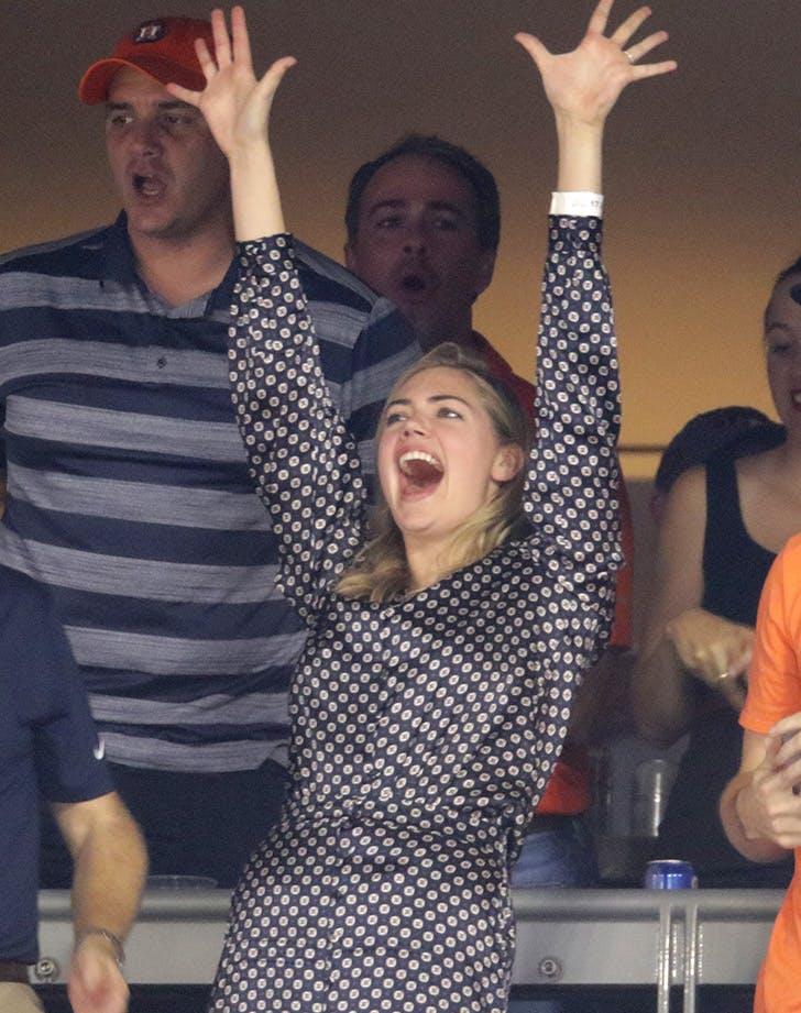 Kate Upton game 2 World Series