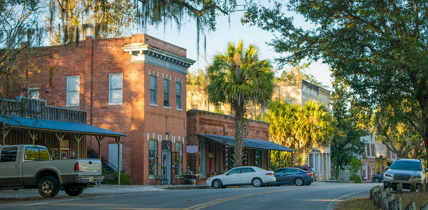 The cutest towns in every u s state purewow for Best small cities to live in florida