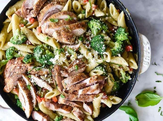 creamy chicken pesto penne with broccoli 501.com 007 683x10241