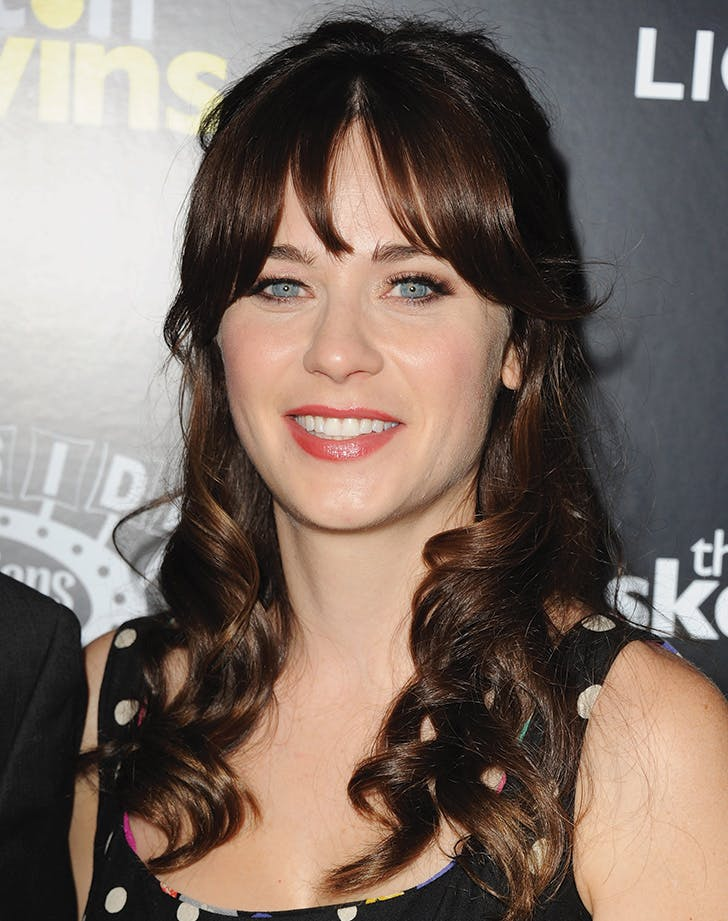 curtain bangs zooey