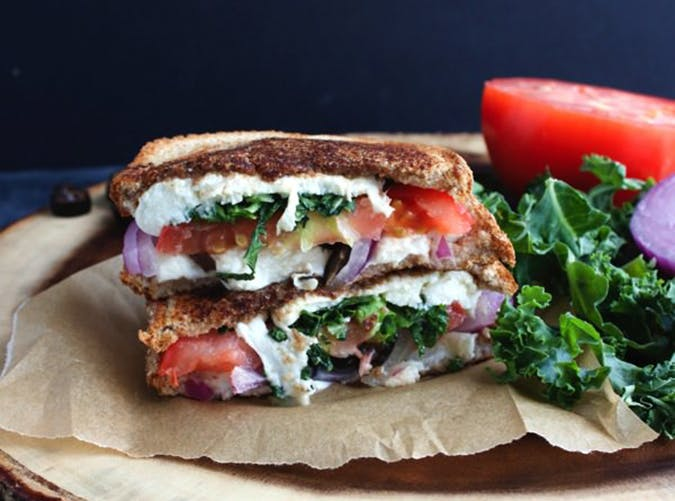 filling healthy sandwiches 6