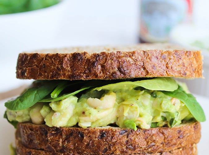 filling healthy sandwiches 7