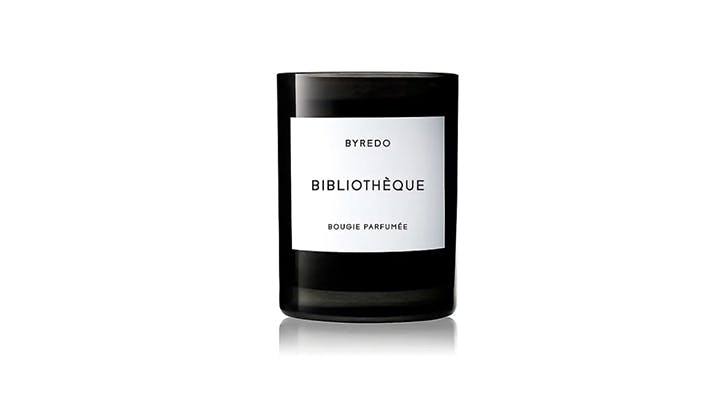 gifts for book lovers 11   bibliotheque candle