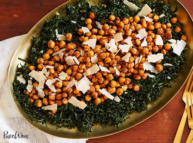 kale salad with crispy chickpeas 5011