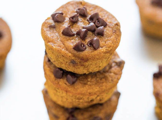 mini chocolate chip pumpkin muffins 501