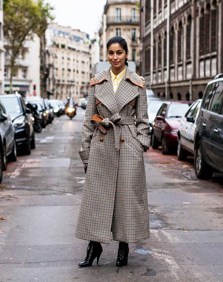 paris street style plaid trench coat