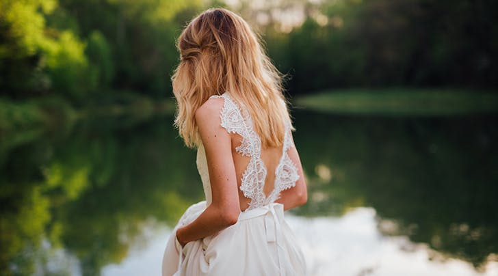 I Shopped for My Wedding Dress Alone (and It Was the Best Decision Ever)