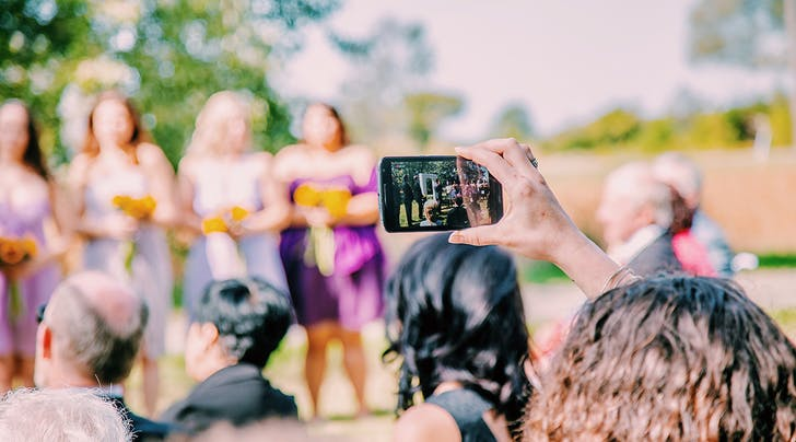 Yikes, This Is How Much Each Guest Will Probably Spend on Your Wedding