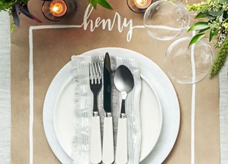 Draw on placemat DIY Thanksgiving Place Cards