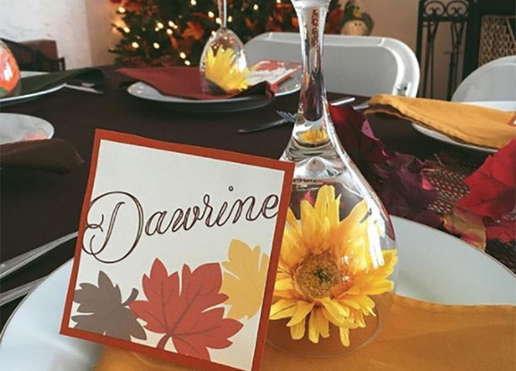 Flower in Glasses DIY Thanksgiving Place Cards