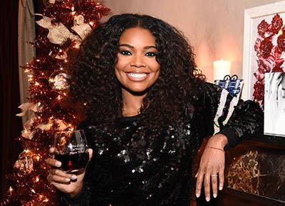 Taco Bell Christmas Eve.Alcohol Taco Bell Gabrielle Union S Holiday Staples Purewow