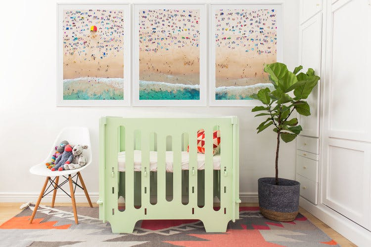 Noni mini crib in green