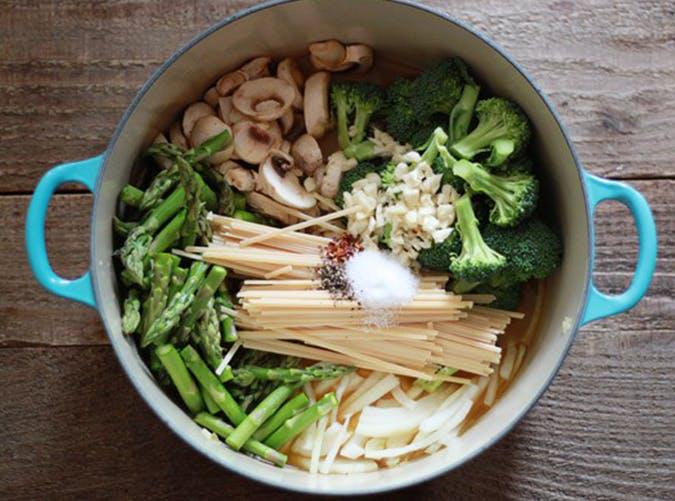 One Pot Pasta Primavera 15 minute recipe