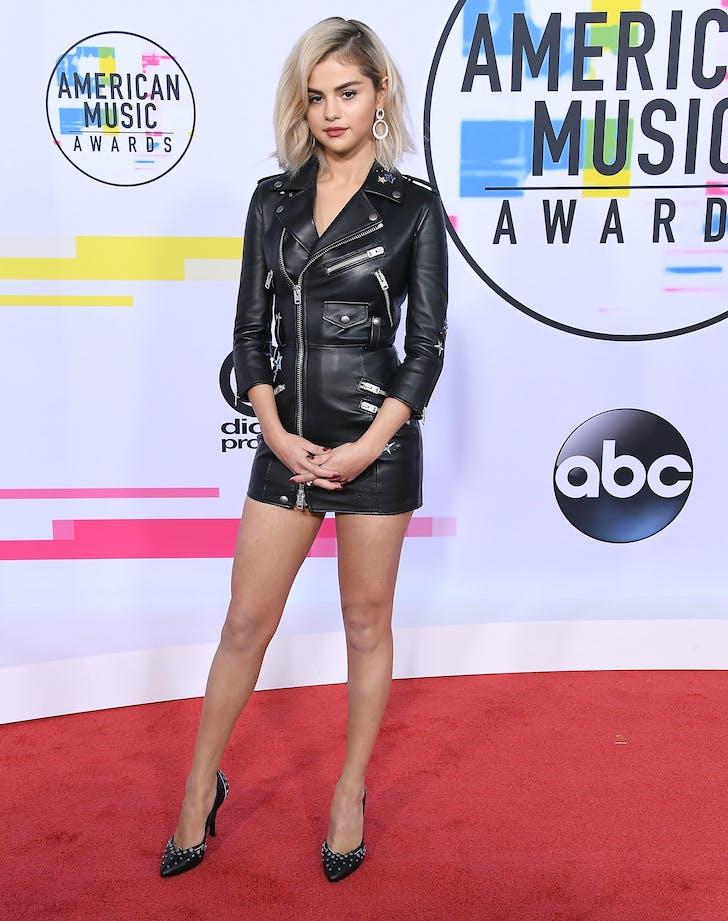 Selena Gomez 2017 AMA blonde hair