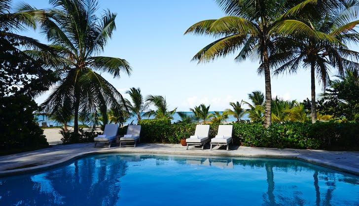 Serena Williams Alexis Ohanian Honeymoon Kamalame Cay Pool