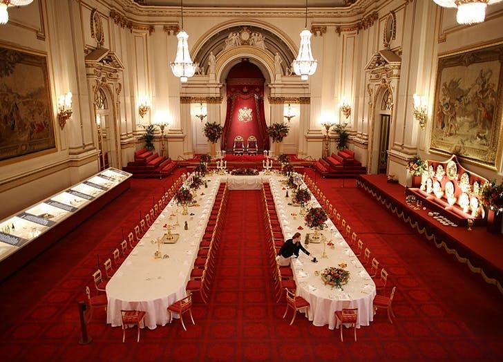 buckingham palace facts 2