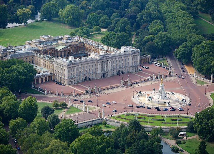 Fascinating Buckingham Palace Facts Purewow
