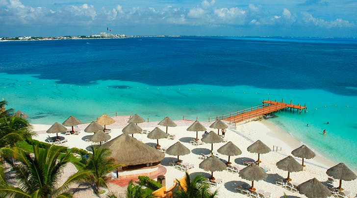 ¡Dios Mío! Mexico Wants to Pay Someone to Live Like a Queen in Cancún for Six Months