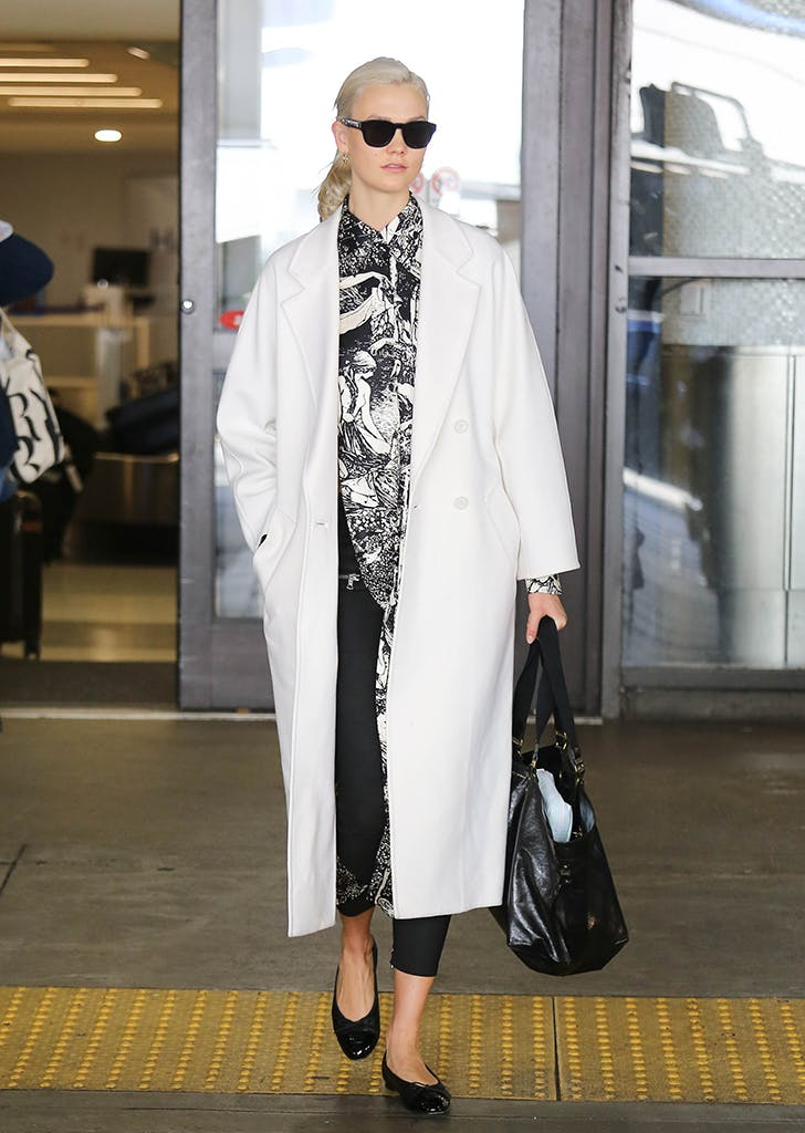 celebrity travel style karlie kloss