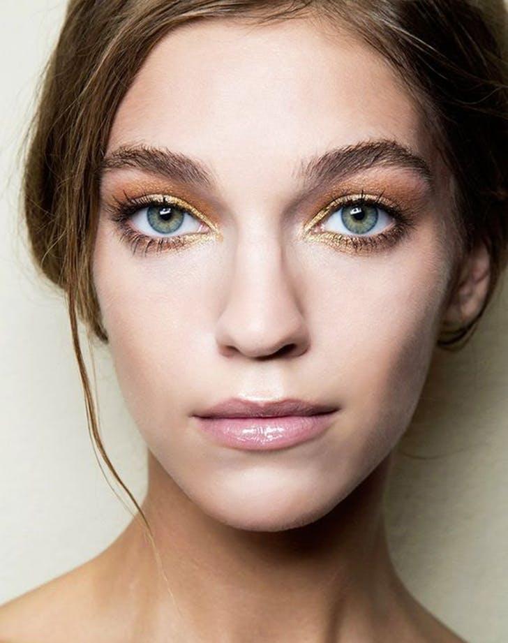 christmas trend gold eyeliner