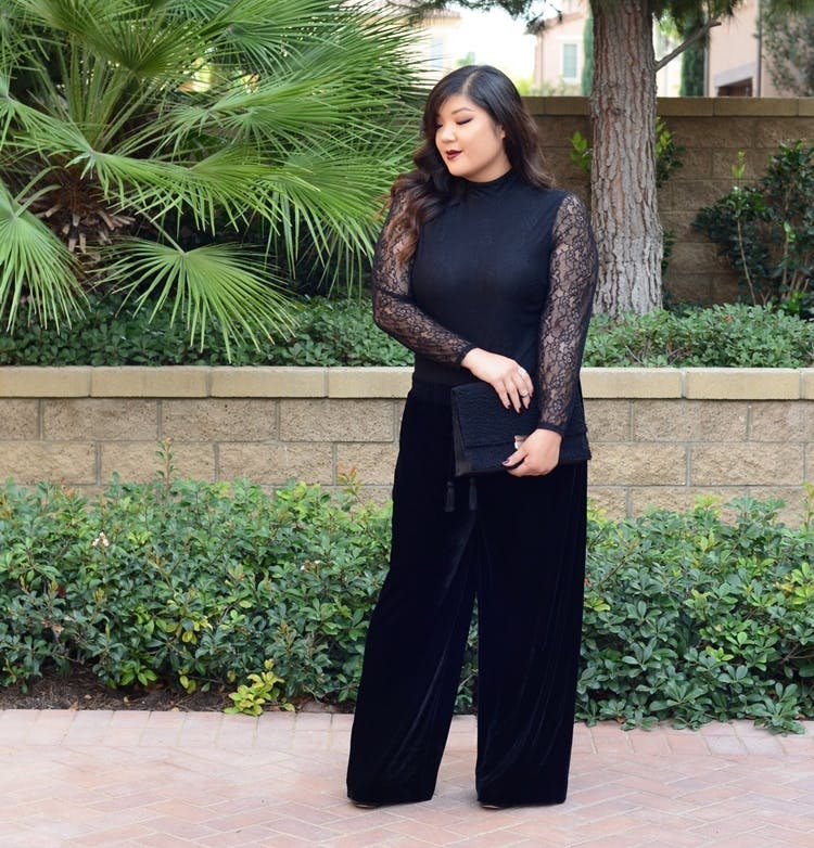 curvy girl chic wear all black december outfit ideas
