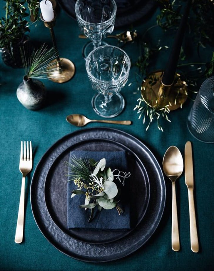 etsy holiday trend moody table 1
