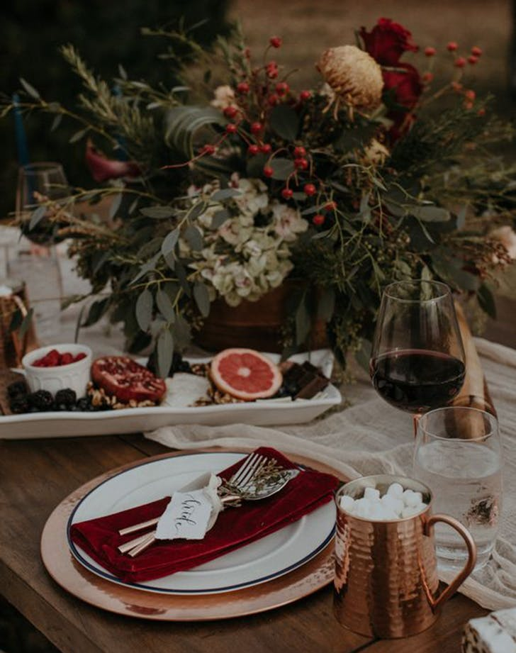 etsy holiday trend moody table 2