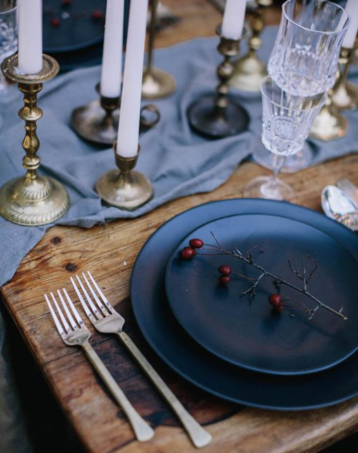 etsy holiday trend moody table 3