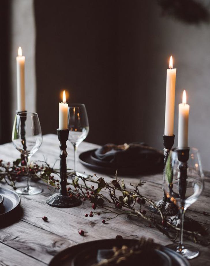 etsy holiday trend moody table 4