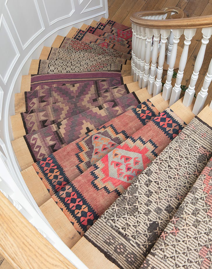 how to decortae staircase runner