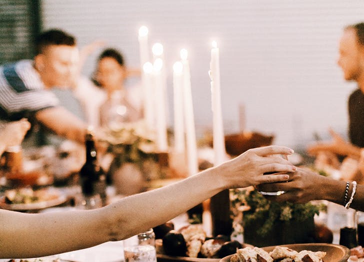 how to host friendsgiving2