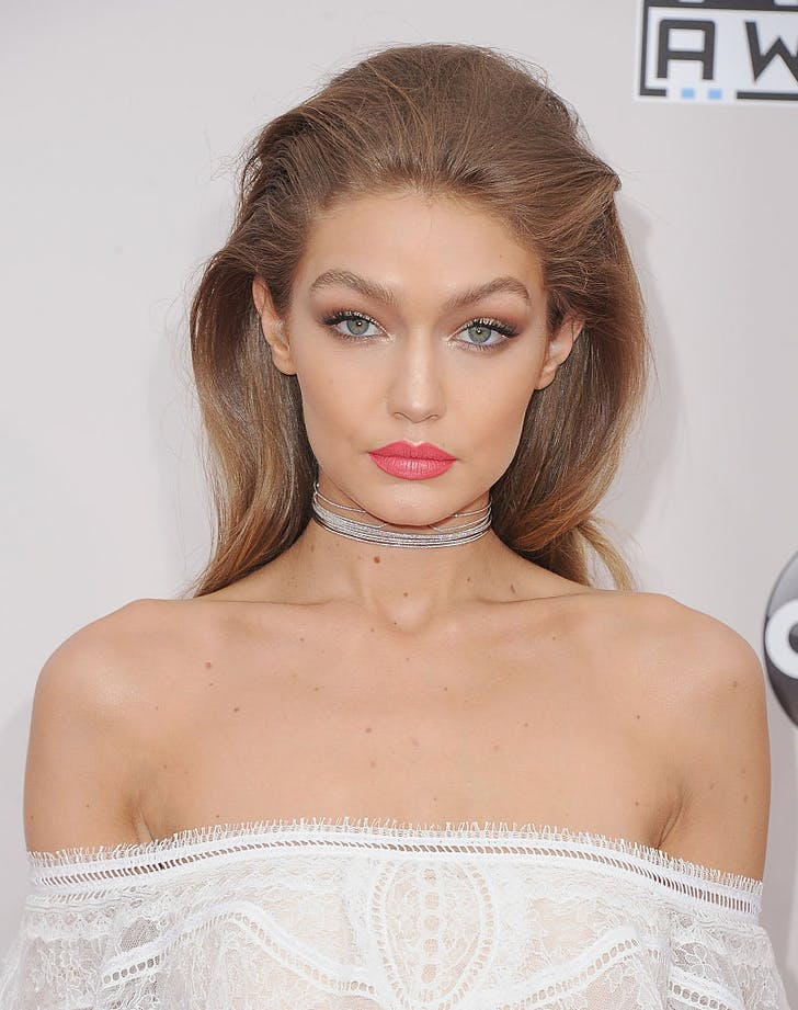 how to wear metallic makeup gigi hadid