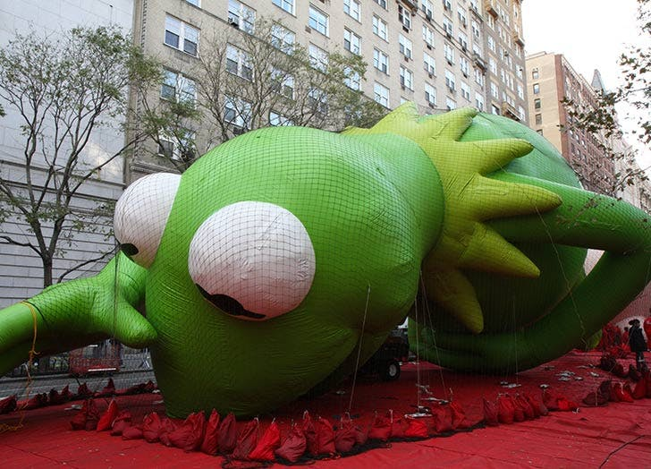 kermit thanksgiving balloon NY