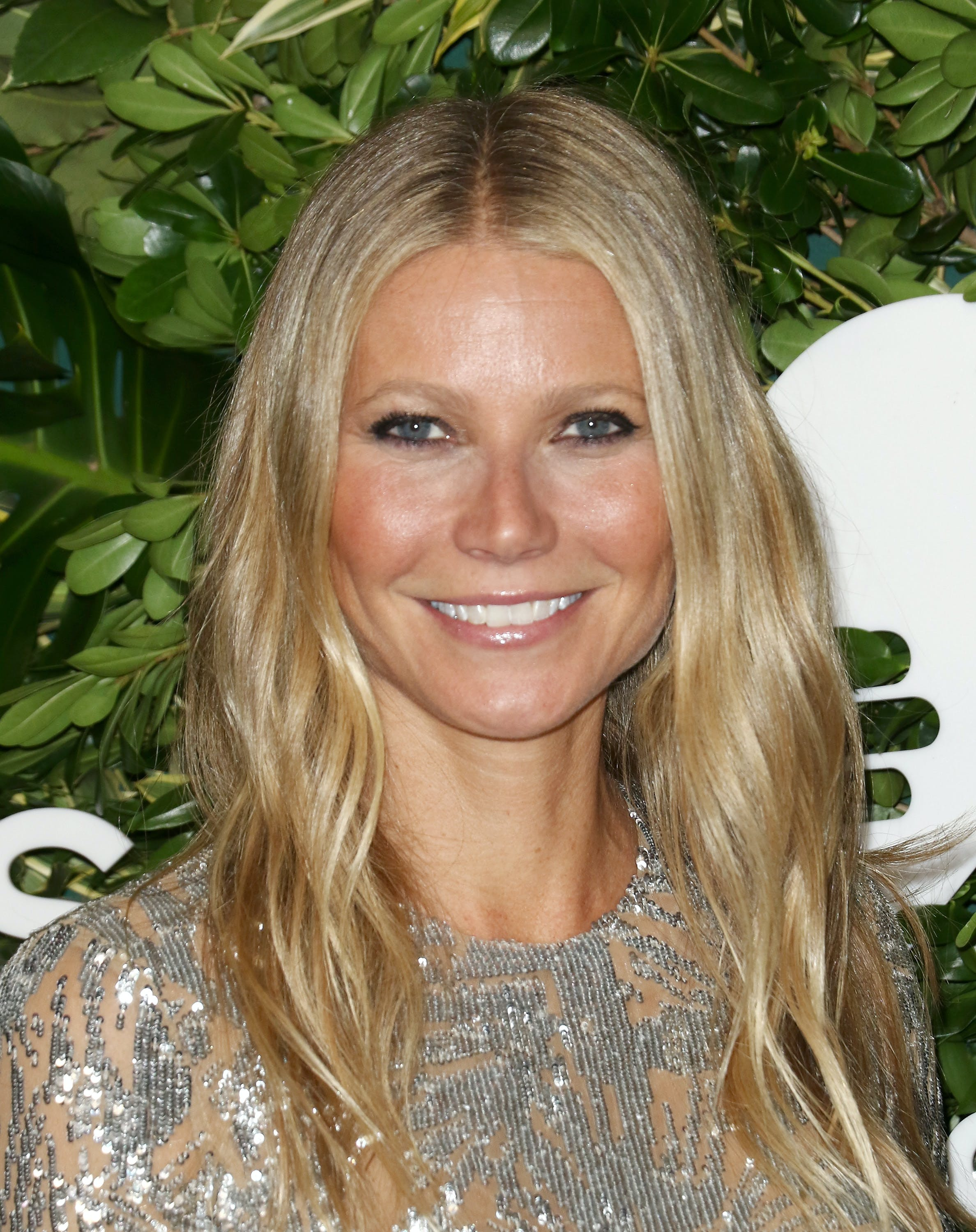 makeup tips for round eyes gwyneth paltrow