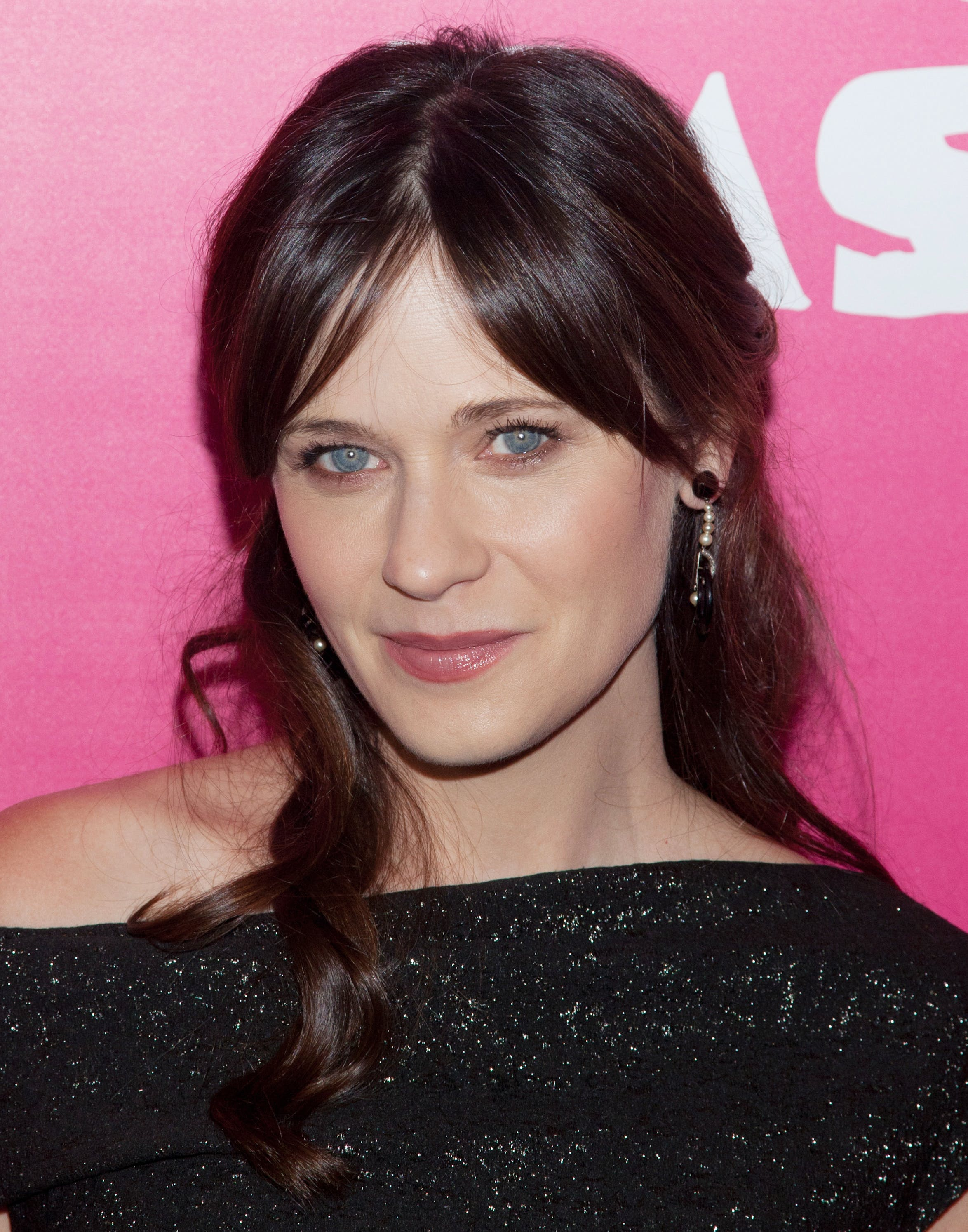makeup tips for round eyes zooey deschanel