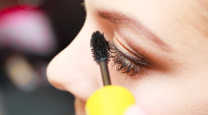Guys, We Just Learned the *Best* Mascara Trick for Faking Fuller Lashes