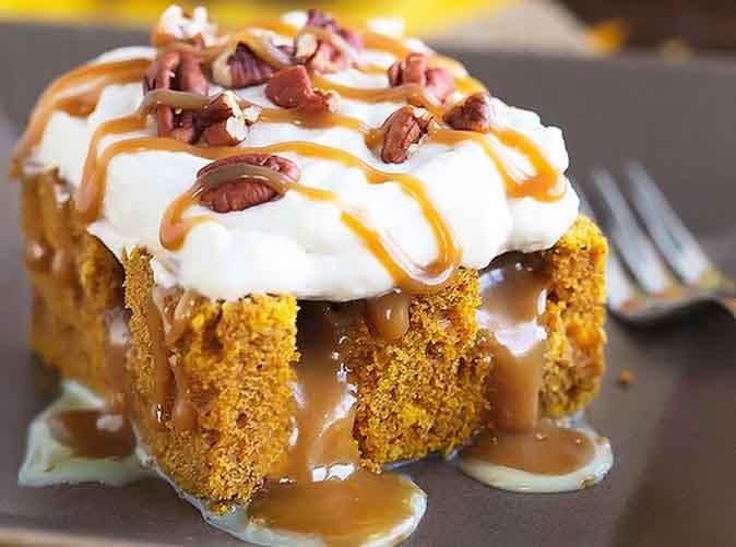 pumpkin caramel poke cake1