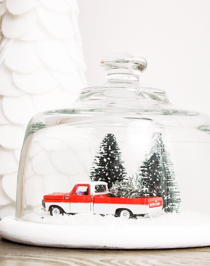 retro christmas trend cloche